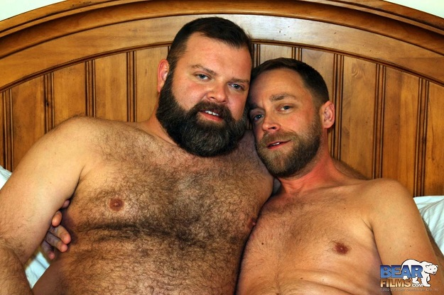 Gay sex - John Morewood and Kroy Bama from BearBoxxx
