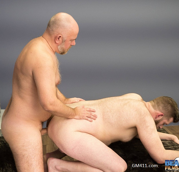 Gay sex - Scott Matthews and Guy English from BearFilms