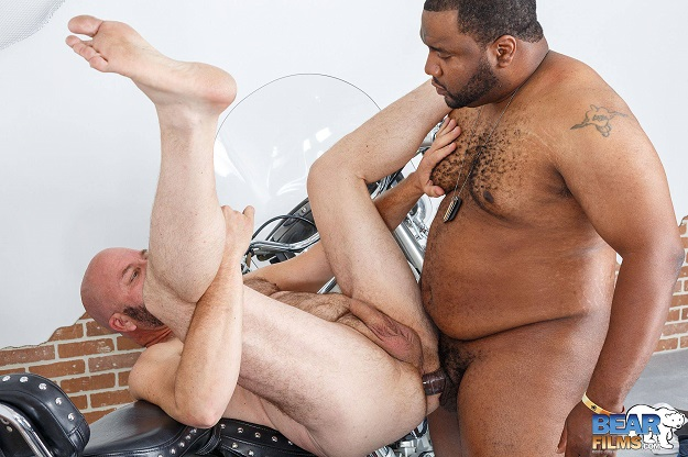 Gay sex - Tony Banks and Bear Steven from BearFilms