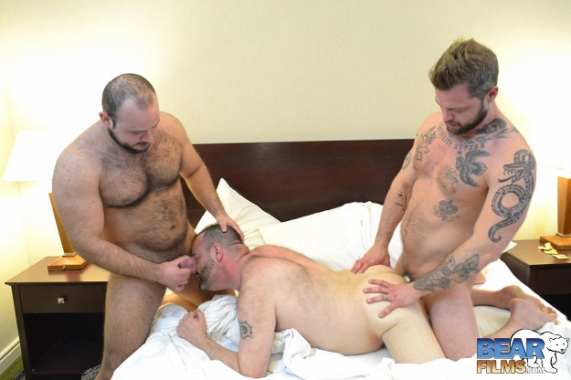 Gay sex - Blake Randolph, Marco Bolt and Rick Sierra from BearBoxxx