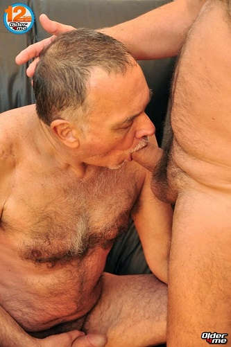 Gay sex - older daddy Borja from Older4me