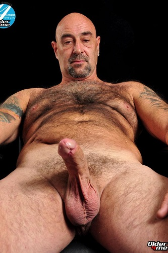 Gay sex - hairy daddy Olaf from Older4me
