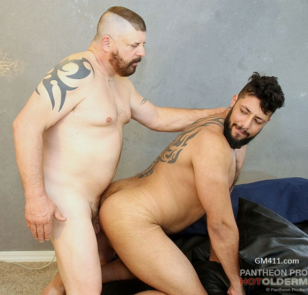 Gay sex - Beau Bearden and Felix Lewis from Hotoldermale