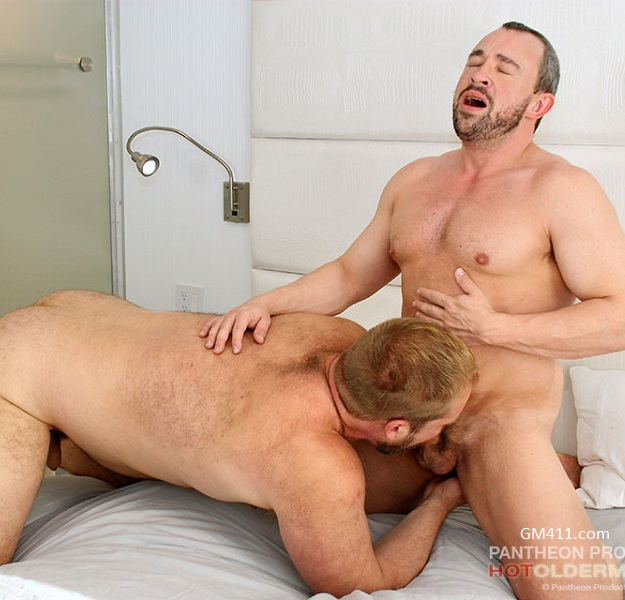 Gay sex - Eric Schwanz and Bryan Knight from Hotoldermale